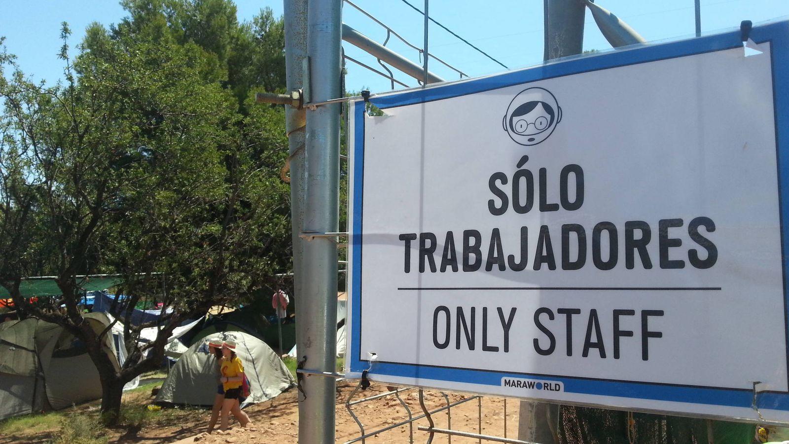 Foto: Acceso al camping de trabajadores del FIB.