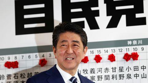 Abe arrasa y allana el camino para reformar la Constitución pacifista de Japón