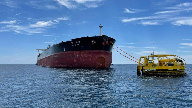 El transporte de combustibles fósiles es una de las principales fuentes de metano atmosférico. Foto: EFE