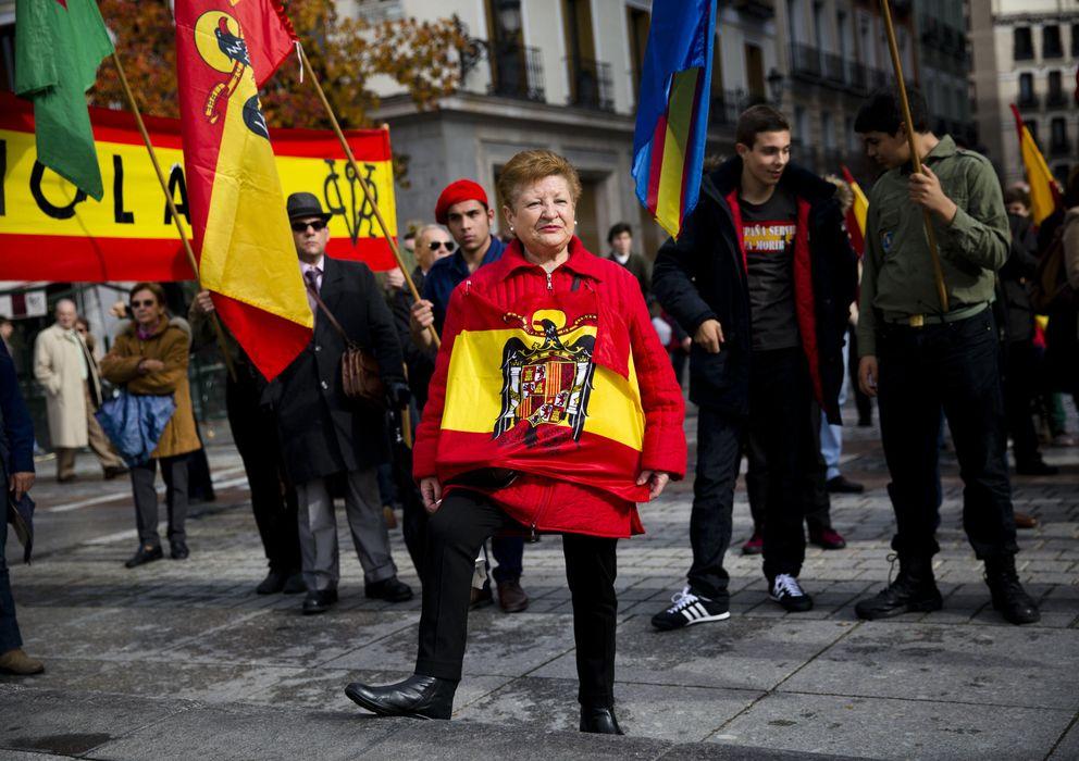 Foto: Manifestación franquista en Madrid por el 39 aniversario de la muerte de Franco. (AP)