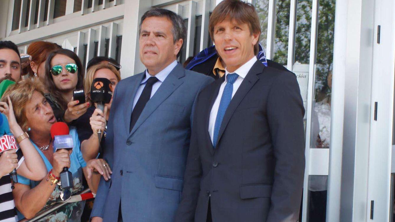 Foto: Manuel Díaz junto a su abogado tras el juicio (Gtres)