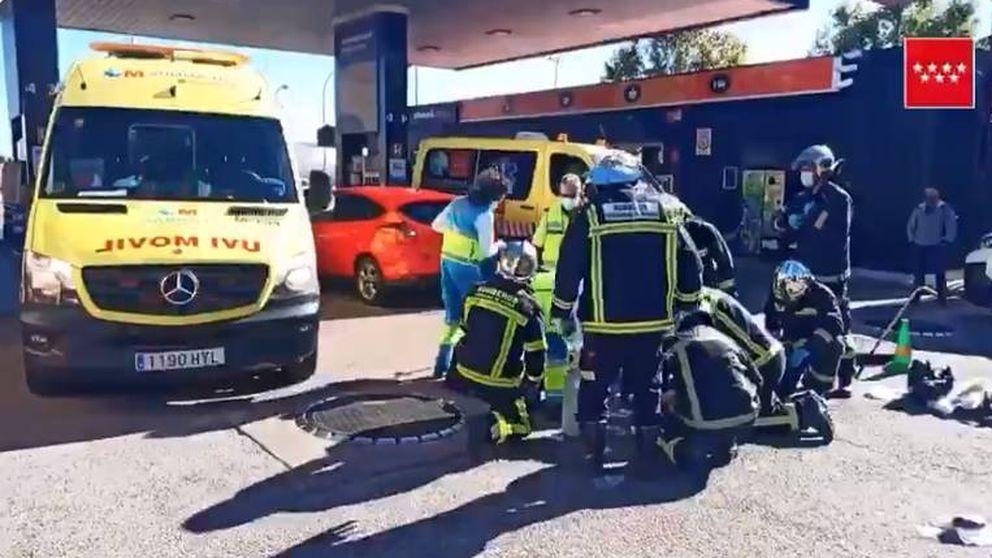 Un coche sale del túnel de lavado y atropella a un hombre en una gasolinera de Parla
