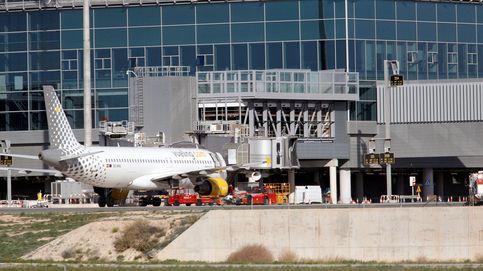 El aeropuerto de Alicante-Elche se reabre al tráfico tras el incendio del miércoles