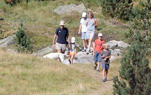 Los duques de Palma y sus hijos disfrutan en el lago Leman