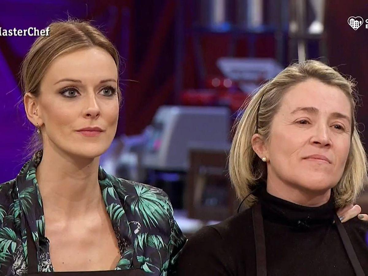 Foto: Adrienne y Mónica, en 'Masterchef'. (TVE)