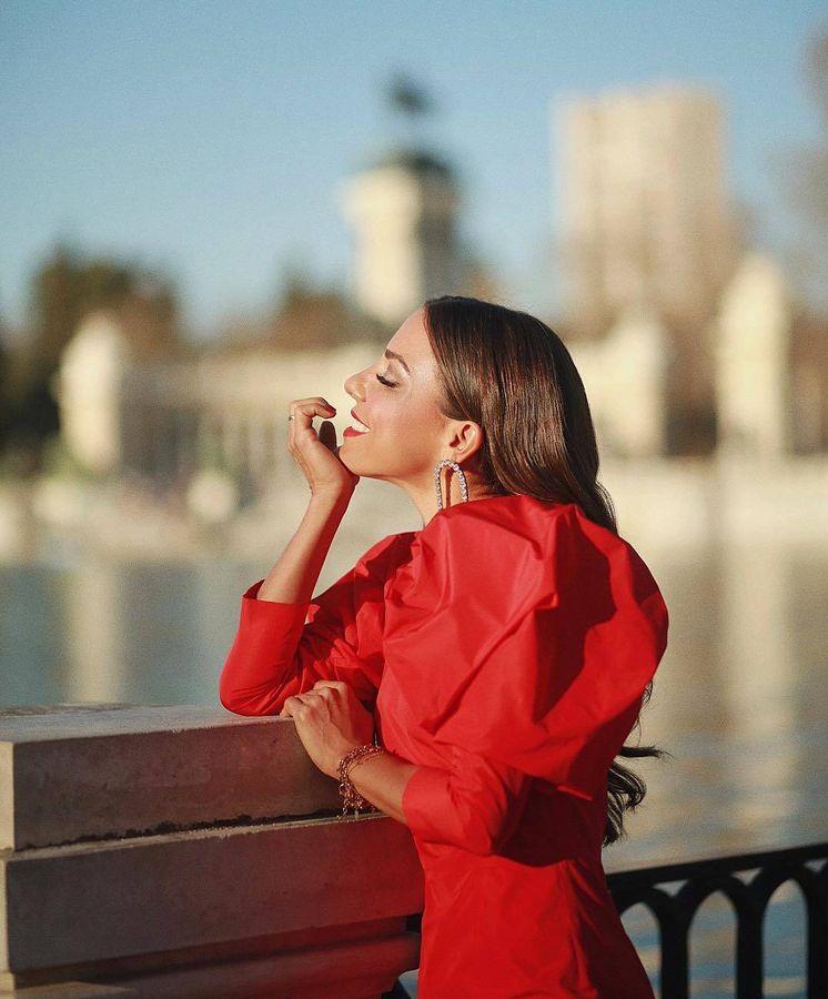 Foto: Paula Ordovás con el vestido Paula de la firma Redondo Brand. (Instagram)