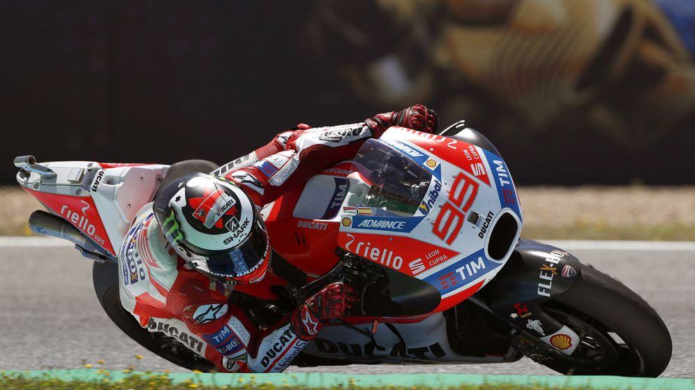 Foto: Jorge Lorenzo sobre su Ducati en el GP de España. (EFE)