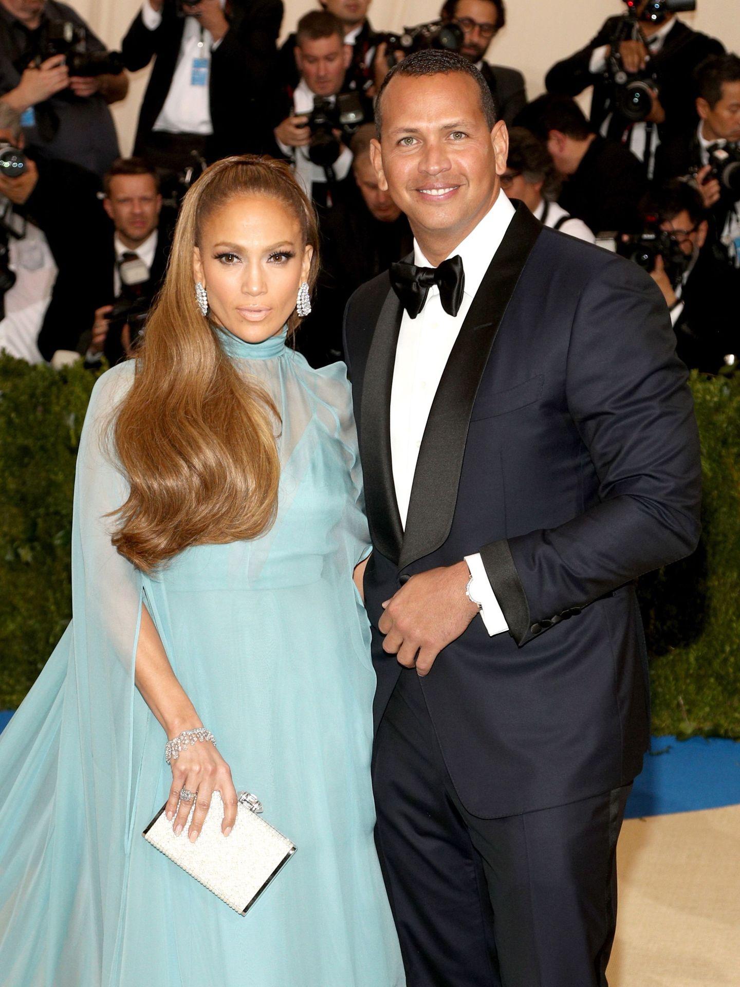 Jennifer Lopez y Alex Rodriguez cuentan los días para convertirse en marido y mujer. (EFE)