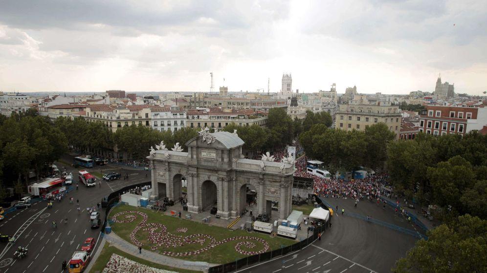 Foto: Vista de la Puerta de Alcalá desde el edificio de Plaza de la Independencia, 6.