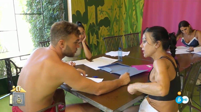 Cristian Suescun y Maite Galdeano, en 'La casa fuerte'. (Mediaset España)