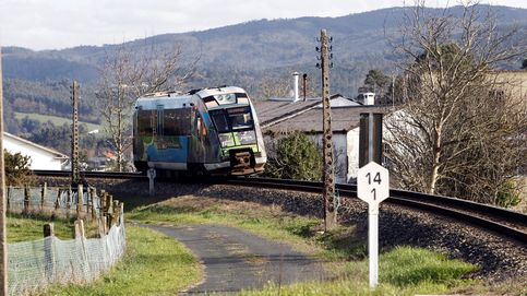 Dos mujeres mueren arrolladas por un tren al cruzar por las vías en Torrelavega