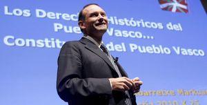 Ibarretxe reaparece y pide un nuevo Estatuto que reconozca el derecho de autodeterminación