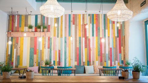 Seis bares con sofás y plantas en los que te sentirás como en casa