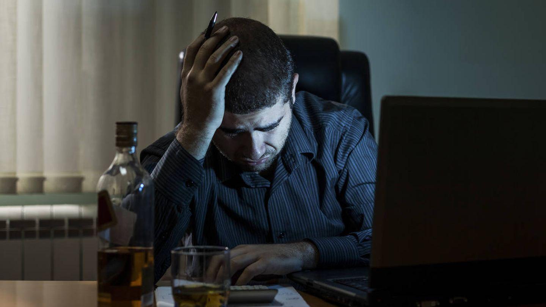 Beber alcohol por la noche puede provocar que no adelgacemos