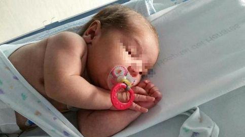 El bebé del contenedor se prepara para salir del hospital