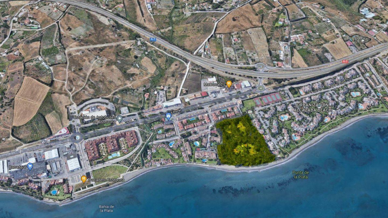 Vista aérea del terreno de Mabel RE en Estepona.