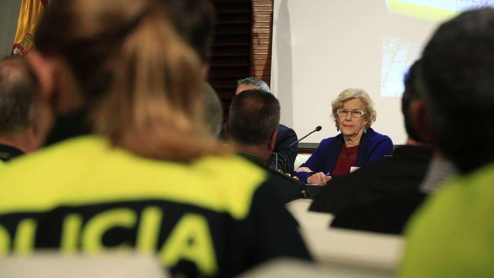 Foto: Manuela Carmena, alcaldesa de Madrid en funciones, en un acto de la Policía Municipal. (EFE)