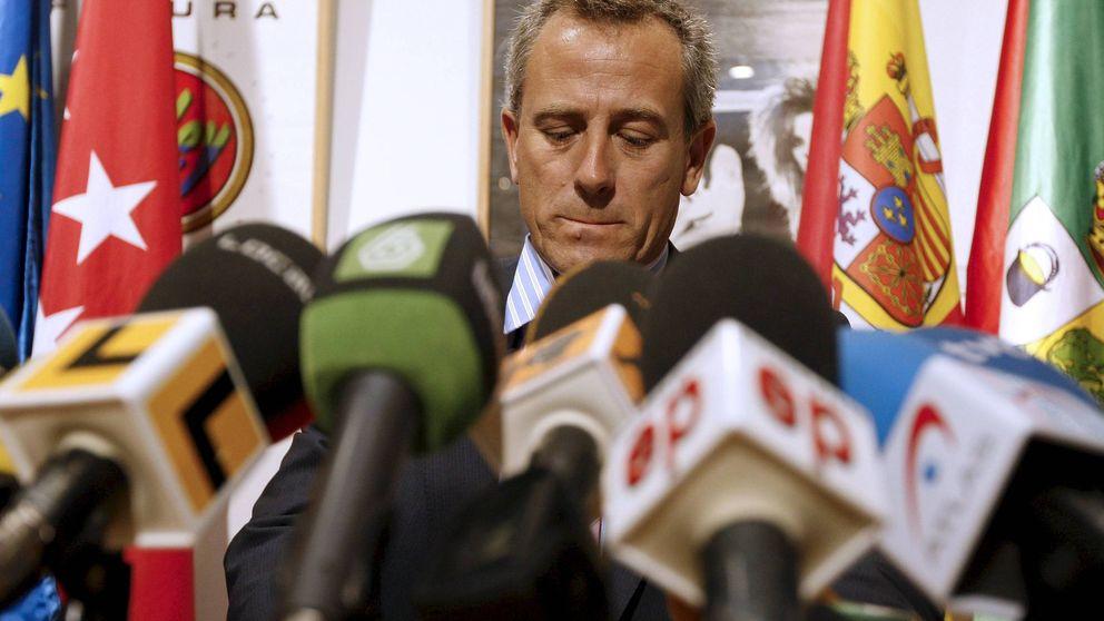 El fiscal pide dos años de prisión para el alcalde del PP de Hoyo por usurpar el cargo