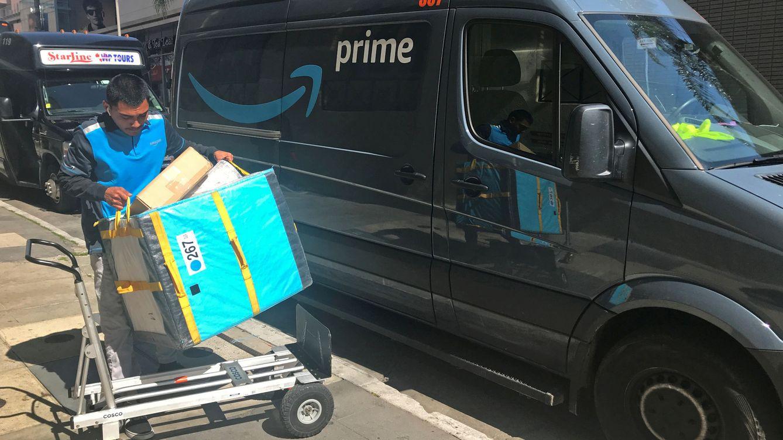 Deja su trabajo en Amazon con el camión lleno de paquetes y las llaves puestas