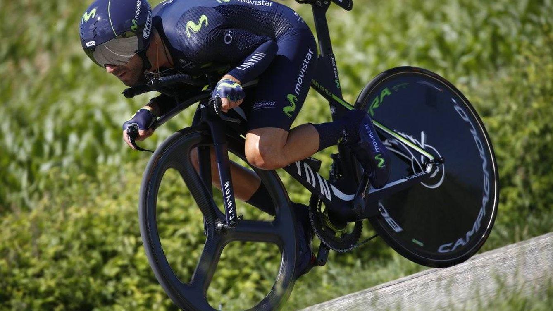 Valverde se permite el lujo de tirarles un reloj a Contador y Froome en el Dauphiné