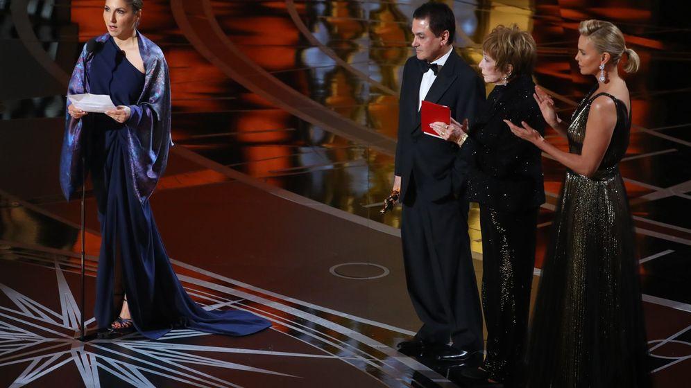 Foto: En ausencia de Farhadi, una mujer ha leído el comunicado del director