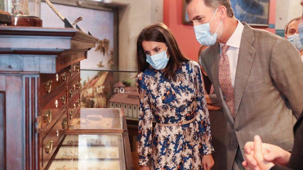 La reina Letizia recupera el vestido de Sandro que menos nos convence