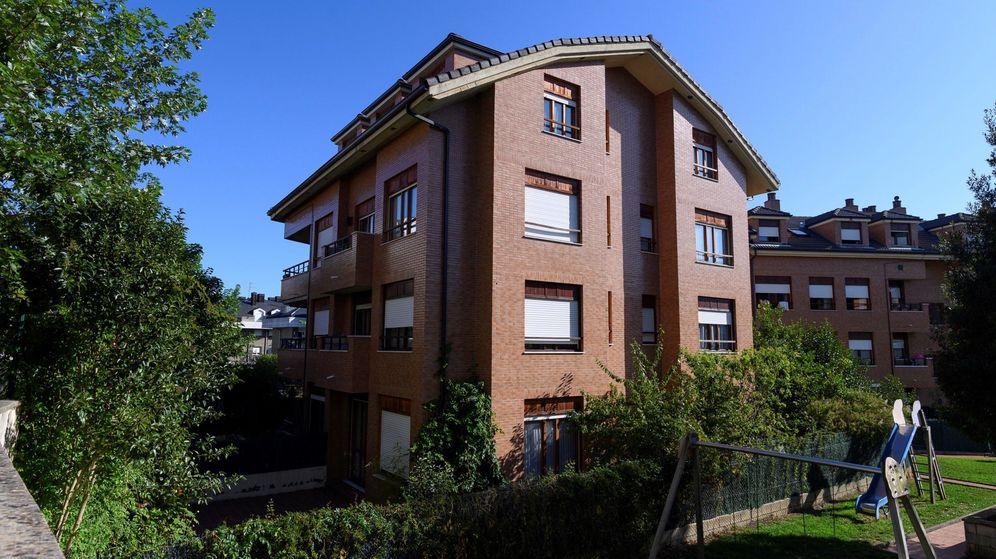 Foto: La casa de Castro Urdiales, en Cantabria, donde una mujer recibió una caja con la cabeza de su marido desaparecido. (Efe)
