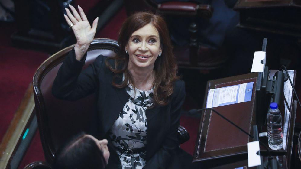 Foto: Cristina Fernández de Kirchner durante su juramento como senadora en 2017. (EFE)