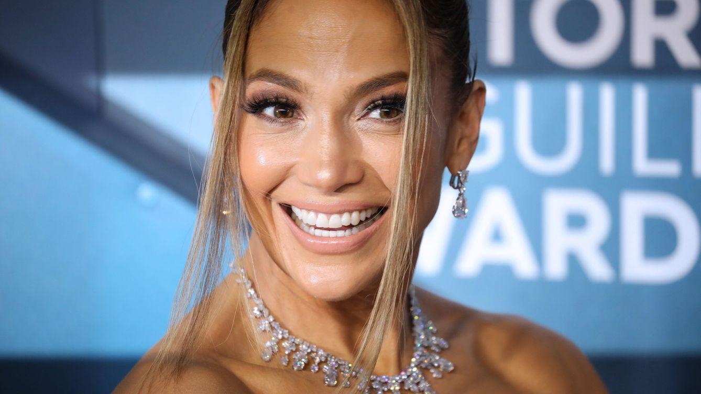 Jennifer Lopez y la sudadera con la que rinde homenaje a su gran ídolo, Barbra Streisand