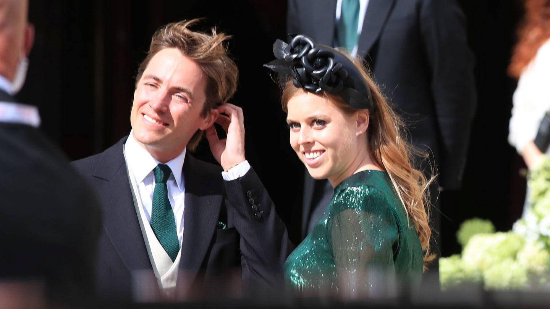 Beatriz de York y Edoardo Mapelli, en la boda de Ellie Goulding. (Cordon Press)