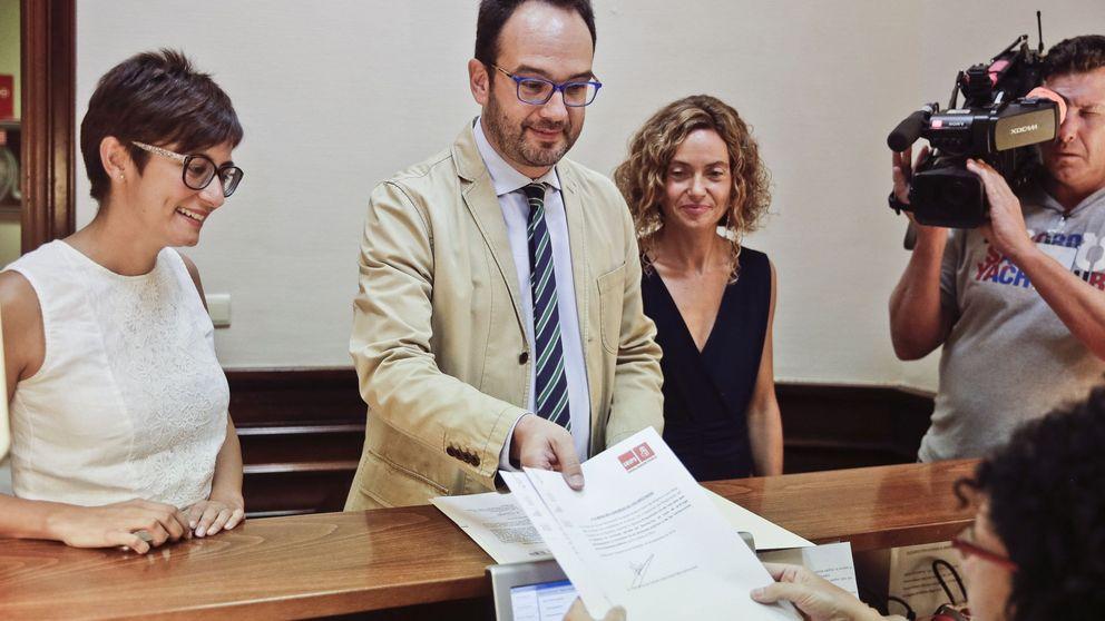 PSOE y Podemos no aflojan la presión sobre Guindos pese a la renuncia de Soria
