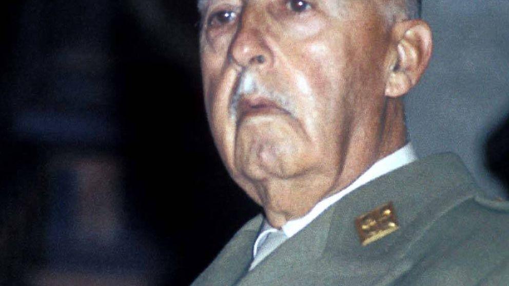 Franco vuelve a Barcelona... decapitado