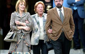 El auto que llevará a la familia de Letizia de nuevo a los juzgados