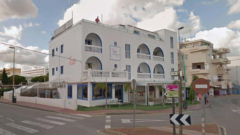 En estado grave una mujer tras caer de un segundo piso en un hotel de Ibiza