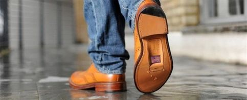 Foto: La británica O2 recicla calzado viejo para crear 'zapatófonos'
