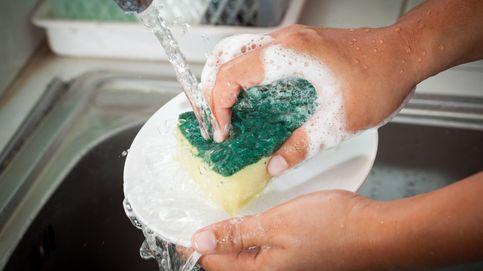 Los garrafales errores que cometes al lavar los platos