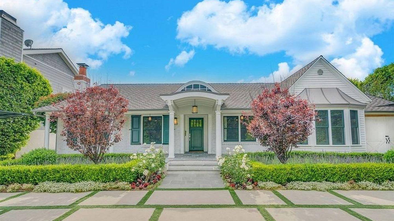 La casa de Selena Gomez, en una imagen de la inmobiliaria Realtor.com. (Cortesía)