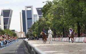 Las carreras de caballos y 30.000 aficionados toman la Castellana