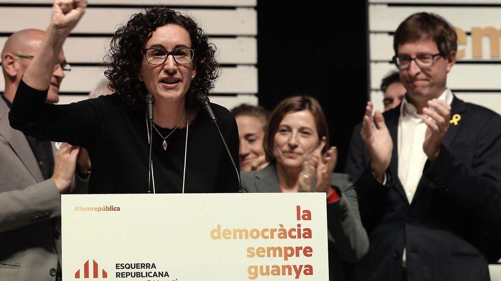 Foto: La secretaria general de ERC, Marta Rovira, comparece para valorar los resultados electorales en la Estación del Norte de Barcelona. (EFE)