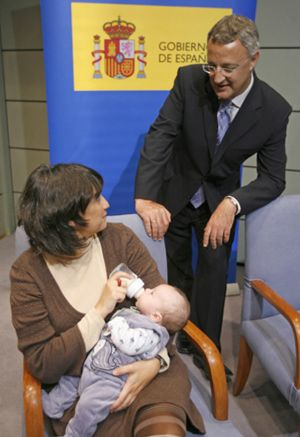 Ninguna familia numerosa se ha beneficiado aún del cheque bebé de 3.500 euros