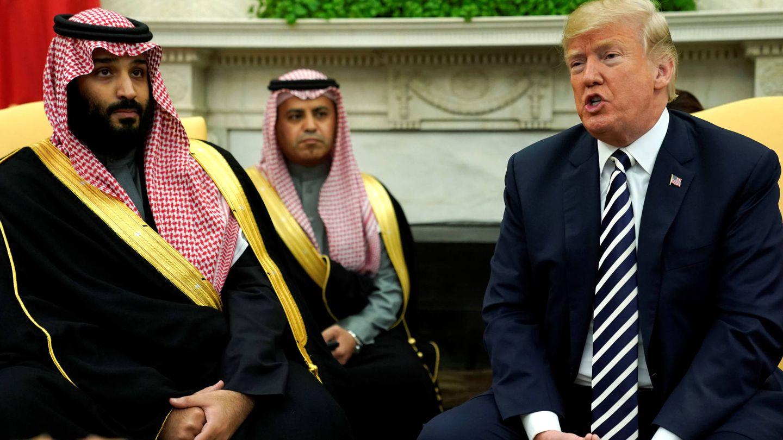 El príncipe árabe junto a Donald Trump. (Reuters)