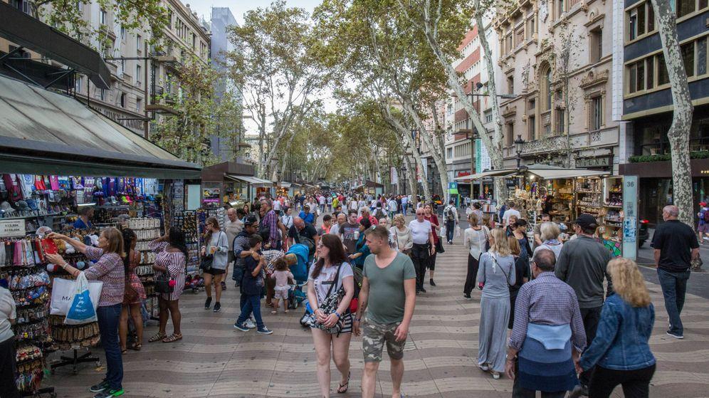 Foto: La Rambla de Barcelona, llena de turistas el día después del 3-O. (D.B)