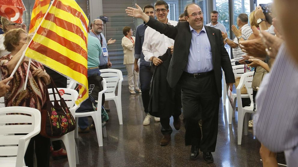 El PSOE se moviliza para arropar a Iceta: Díselo a tus primos y conocidos