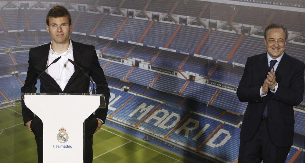 Foto: Presentación de Illarramendi como nuevo jugador del Real Madrid (EFE)