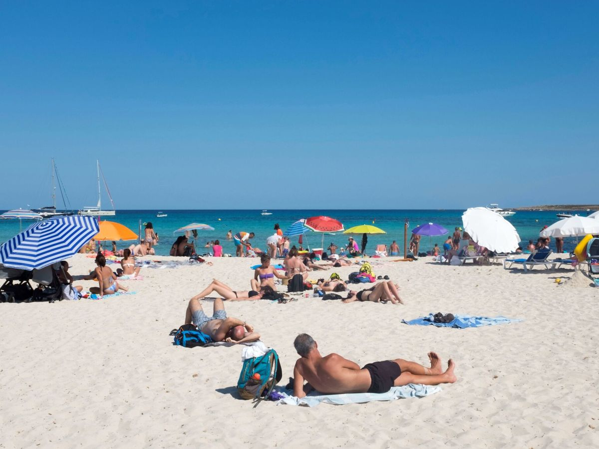 Foto: La playa de Punta Prima, Menorca. (EFE)