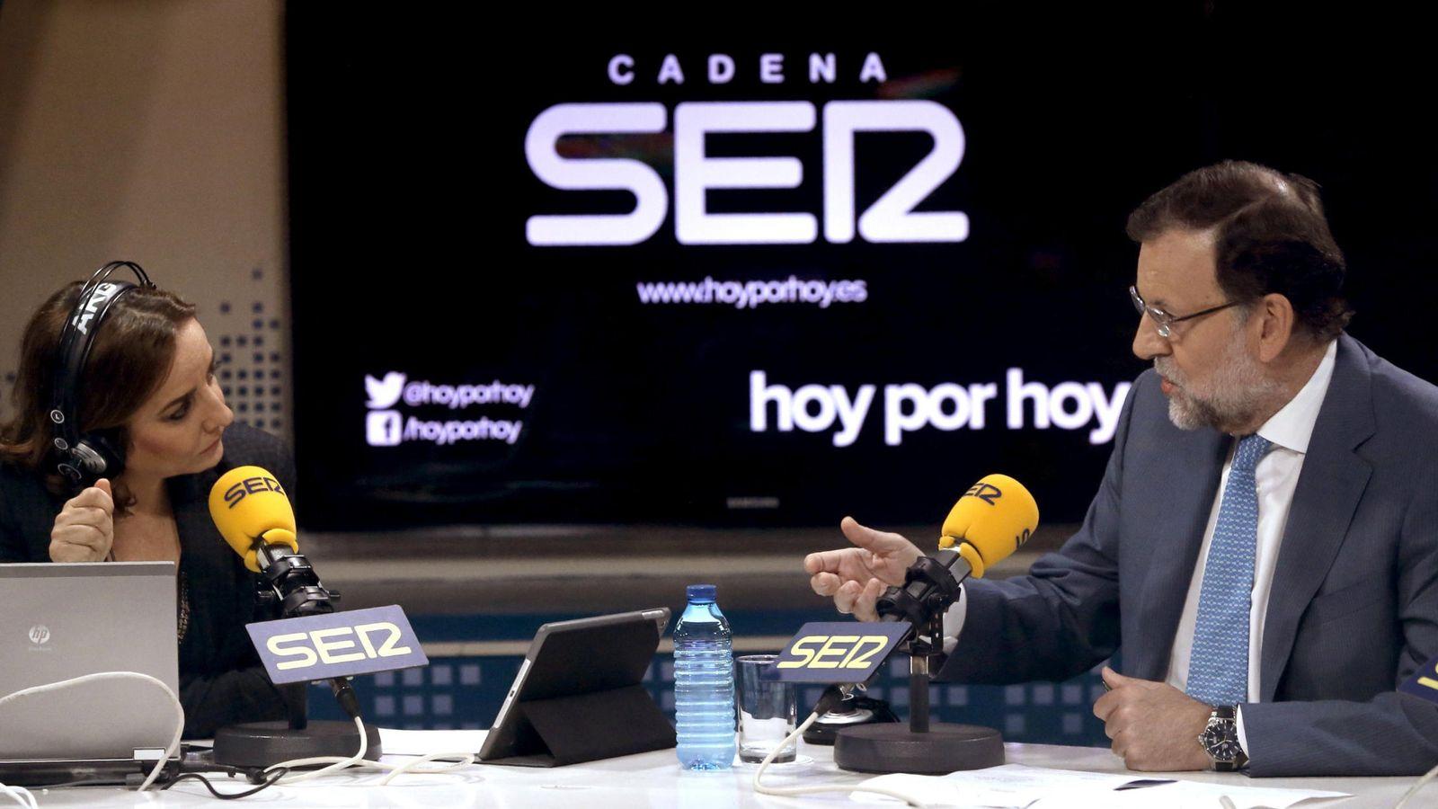 Foto: El presidente del Gobierno, Mariano Rajoy, durante la entrevista en la Cadena SER. (Efe)