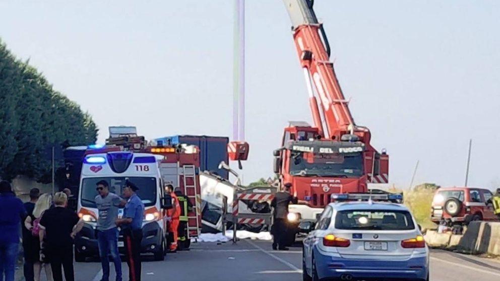 Un segundo accidente en Italia deja 12 muertos, todos temporeros inmigrantes