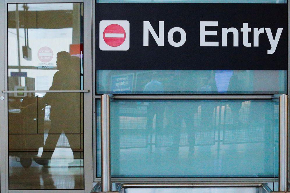 Foto: Viajeros internacionales en el Aeropuero Logan de Boston, el 29 de junio de 2017. (Reuters)