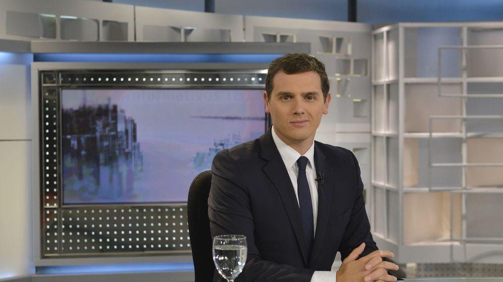 Foto: Albert Rivera este lunes en su entrevista en 'Informativos Telecinco'