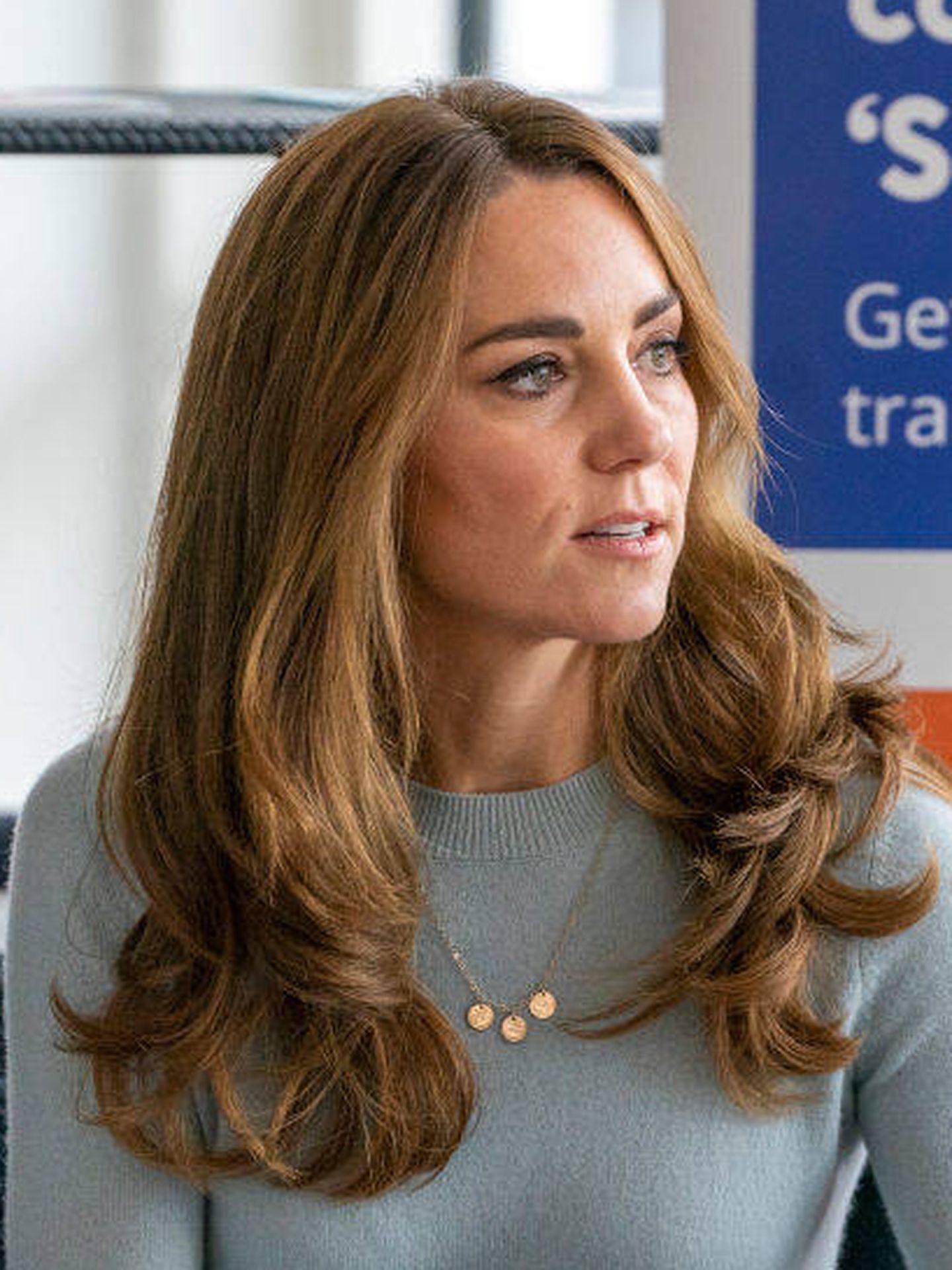 El nuevo look de Kate Middleton, varios tonos más rubio. (Getty)